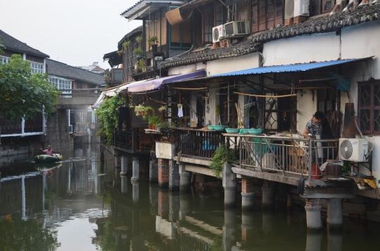 Case sul fiume nella città di Zhujiajiao, provincia di Shanghai