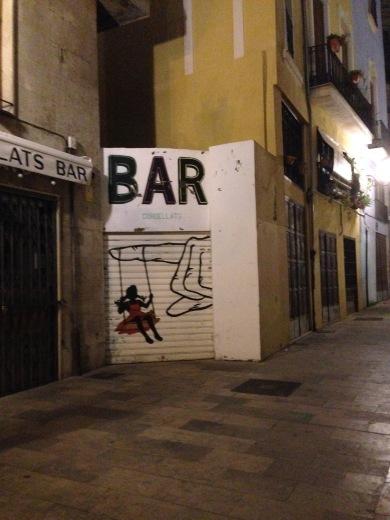 Graffiti decorativi su di un Bar